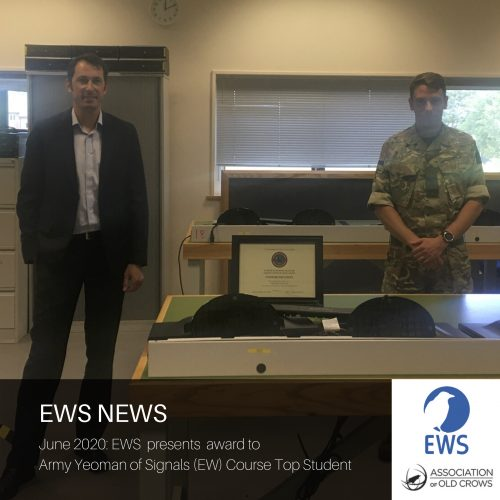 EWS presents Army Yeoman of Signals (EW) Top Student award
